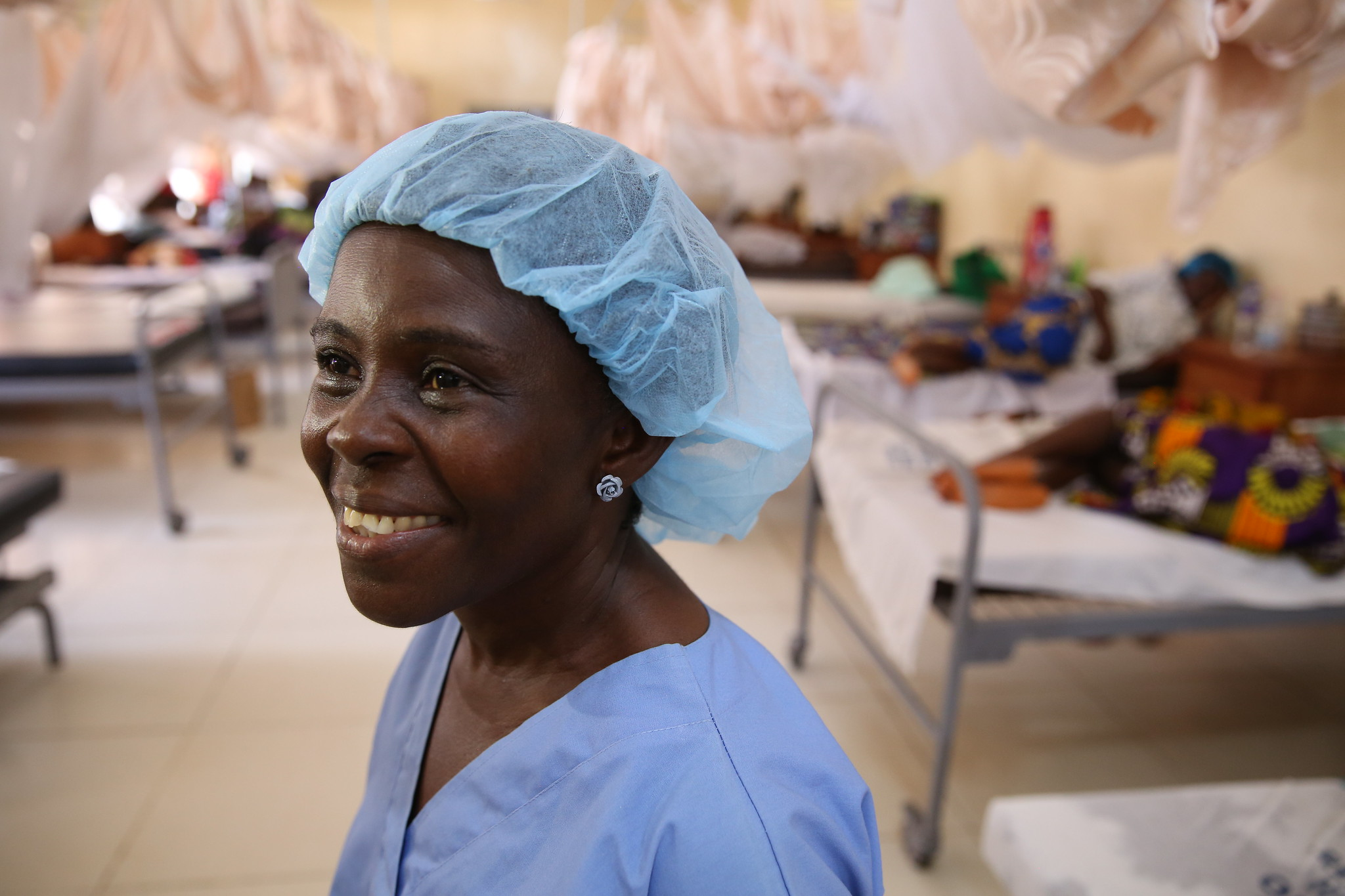 A midwife at Redemption Hospital in Monrovia, Liberia, 2015. Photo © Dominic Chavez/World Bank/CC