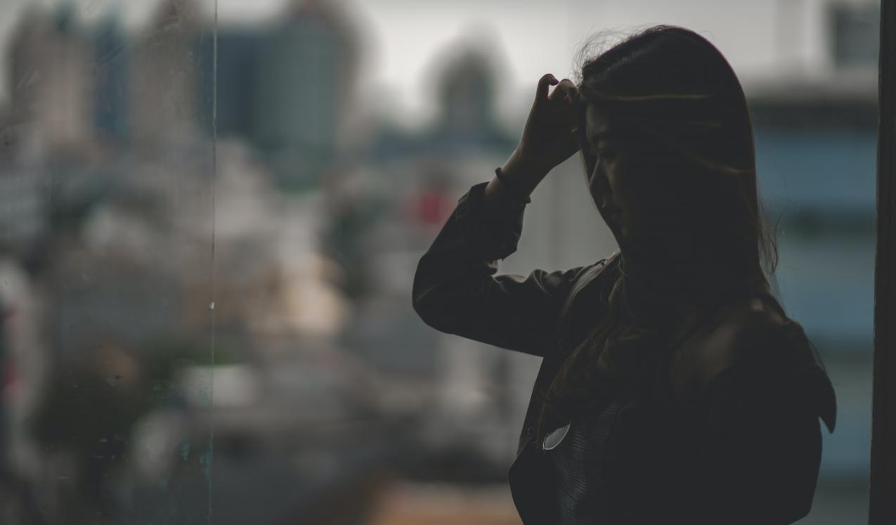 Silhouette of a women © Yoab Anderson/Unsplash