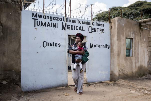 Tumaini maternity clinic supported by APHRC (African Population and Health Research Center) in Korogocho slum, one of Nairobi's most populated informal settlements, Kenya. ©Jonathan Torgovnik.