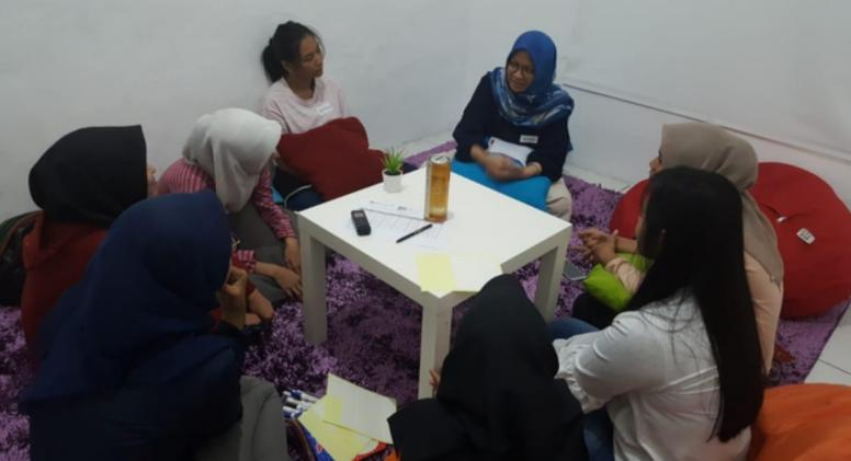A focus group discussion with female participants as part of ARI research